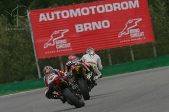 Kniha o motocyklových závodech v ČR