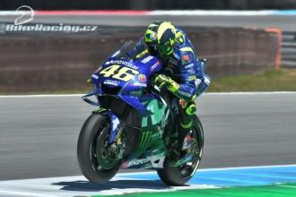 Rossi z první, Vinales z druhé řady