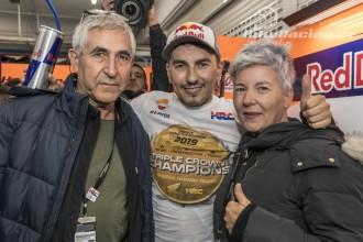 Marquez slavil, Lorenzo se loučil