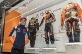 Marquez zahájil výstavu kombinéz