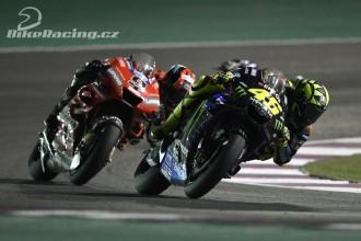 Rossi z čtrnáctého na páté místo