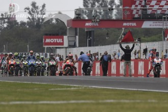 Tovární Honda po závodě v Argentině