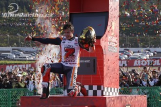 Marquez vyhrál v Motegi a slavil titul