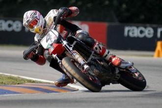 Christian Iddon poprvé testoval KTM