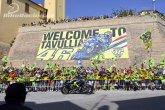 Rossi v davů fanoušků