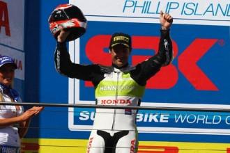 Carlos Checa má první superbikové pódium