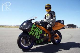 Elekromotocykl překonal hranici 300 km/h