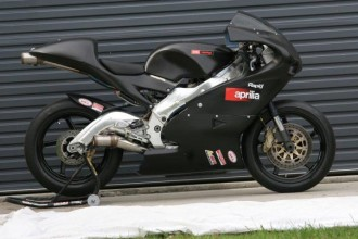 Postaví Aprilia stroj pro Moto2?