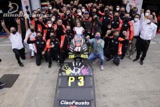 Historické MotoGP pódium pro Aprilii