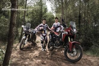 Marquez a Barreda testují Hondu Africa Twin