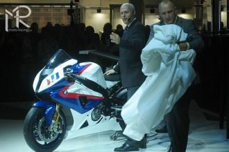 BMW představila zbarvení svého superbiku