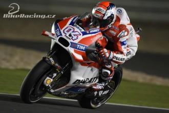 Jezdci Ducati v druhé řadě